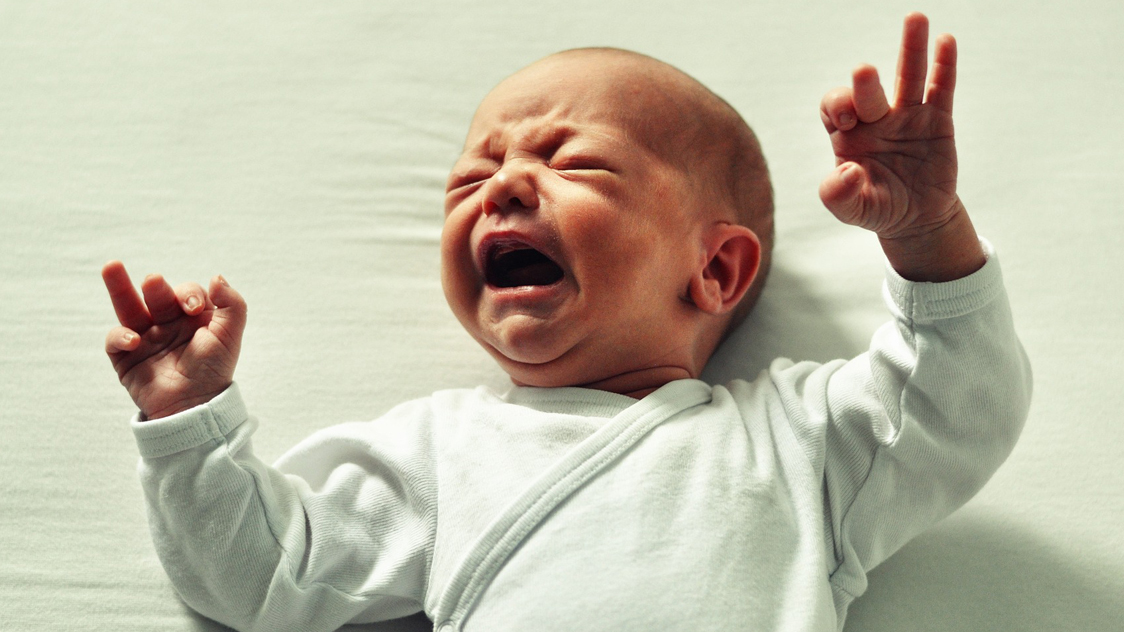 overcoming a nursing strike / why your baby is crying /feeding cues and stomach sizes